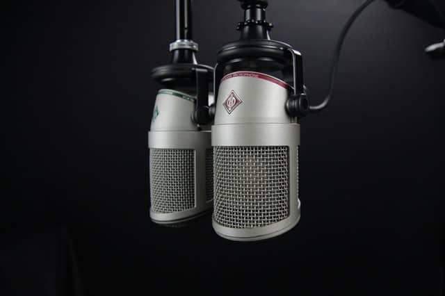 Auf die Ohren: 11 hörenswerte HR-Podcasts